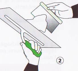 taloche et spatule métallique