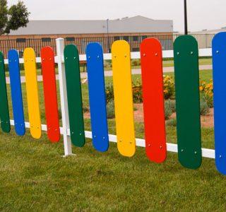 Clôture de jardin coloré