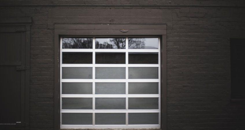 Pourquoi installer les portes de garage industrielles